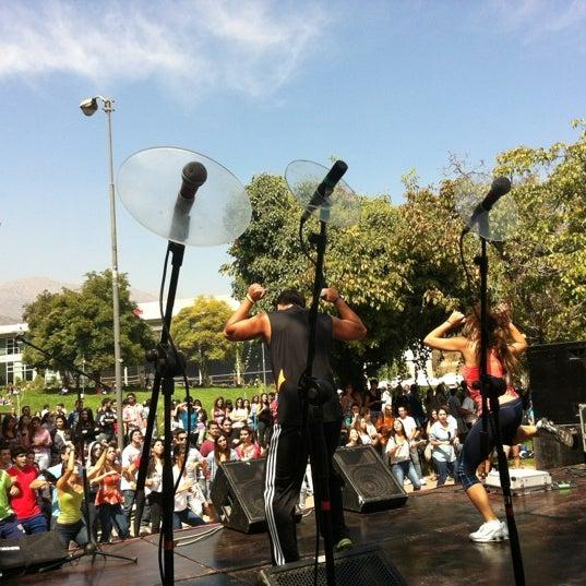 Foto tomada en Universidad Andrés Bello por javier m. el 3/20/2012