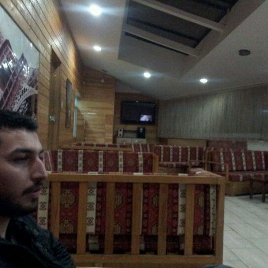 Das Foto wurde bei Ambians von Ali S. am 2/6/2012 aufgenommen