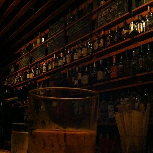 Das Foto wurde bei Sycamore Flower Shop + Bar von Raymond M. am 7/15/2012 aufgenommen