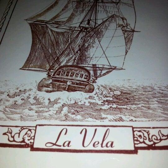 Foto tirada no(a) Restaurante Pizzería La Vela por Luiggi D. em 2/18/2012