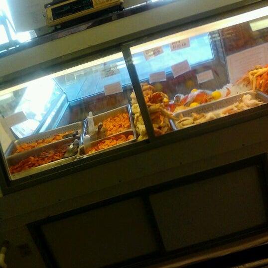 The crab shack ii seafood restaurant in philadelphia for Fish restaurant philadelphia