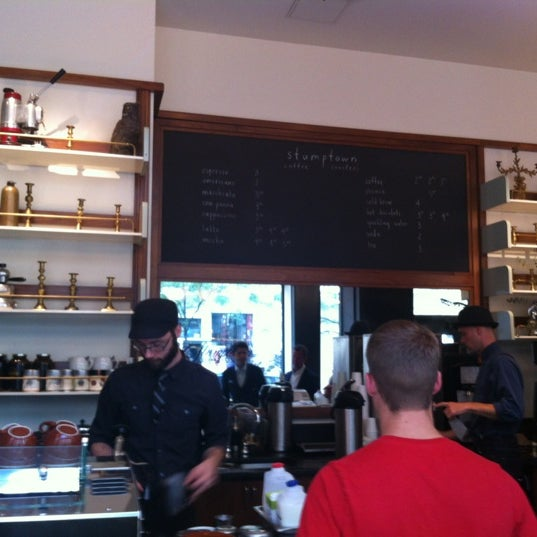 Photo taken at Stumptown Coffee Roasters by Raul F. on 8/13/2012