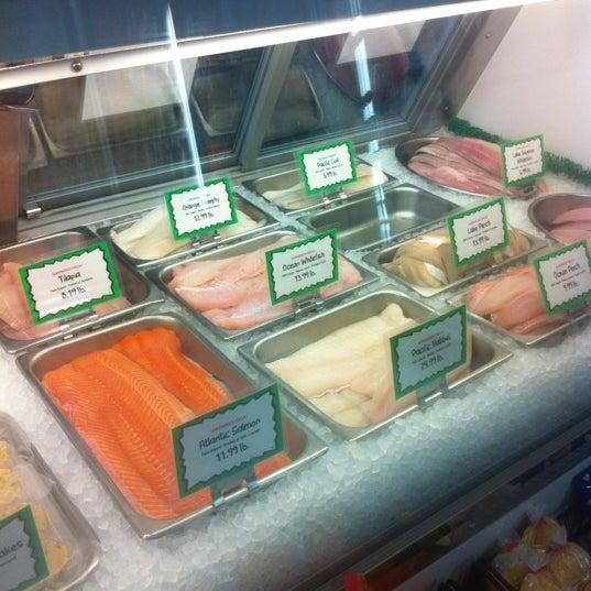 Hagen 39 s fish market portage park 21 tips for Hagen s fish market