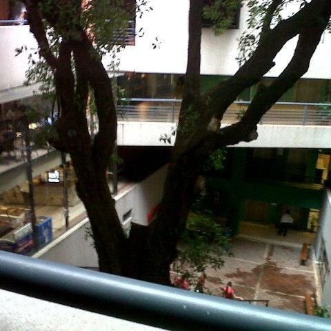 Foto tomada en Universidad Autónoma de Asunción por Gabriela M. el 7/24/2012