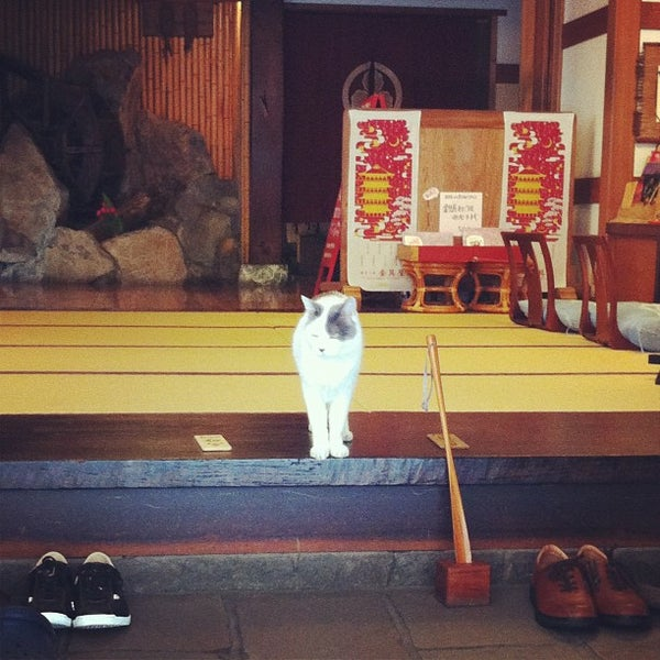 Photo taken at 金具屋 by Yamato M. on 9/7/2012
