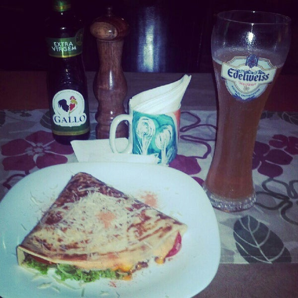 Photo taken at Bercy Village - Crepes e Saladas by Carlos C. on 8/2/2012