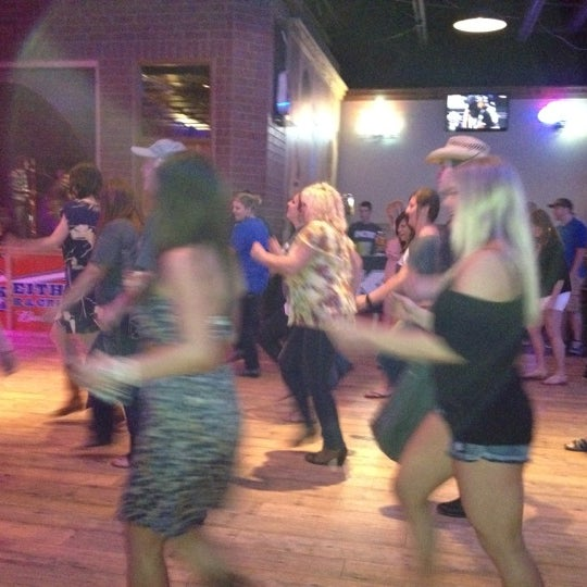 Photo taken at Toby Keith's I Love This Bar & Grill by Shannon H. on 5/24/2012