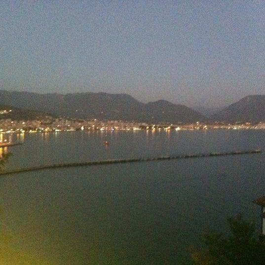 9/3/2012 tarihinde Muhteshem L.ziyaretçi tarafından Centauera Butik Hotel &Cafe'de çekilen fotoğraf