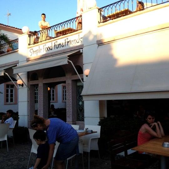 8/20/2012 tarihinde Burcak E.ziyaretçi tarafından Uno Restaurant'de çekilen fotoğraf
