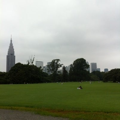 Photo taken at Shinjuku Gyoen by u3noken1 on 7/22/2012