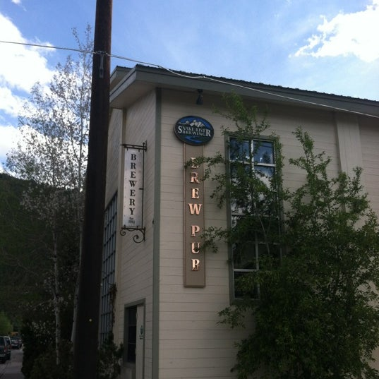 Photo taken at Snake River Brewery & Restaurant by Matt S. on 5/29/2012