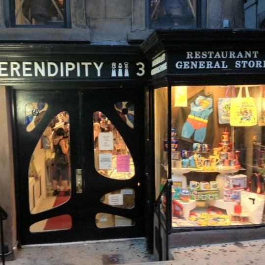 Photo taken at Serendipity 3 by Renato J. on 8/25/2012