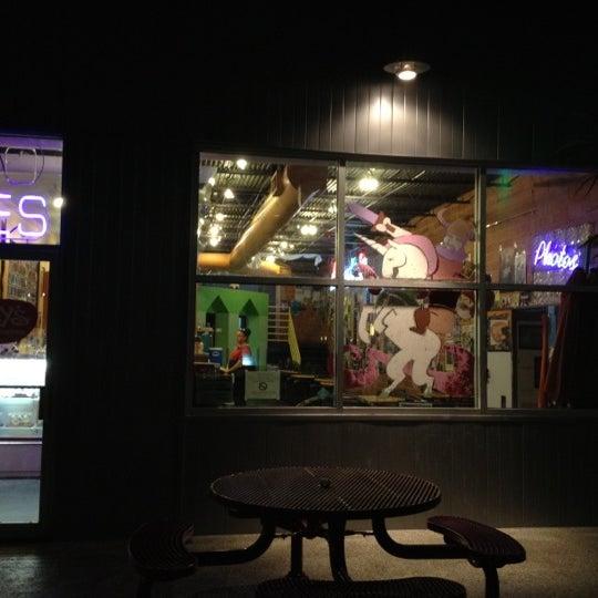 3/19/2012 tarihinde Veronica D.ziyaretçi tarafından Amy's Ice Creams'de çekilen fotoğraf