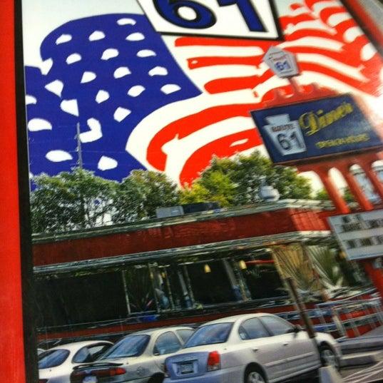 Foto tirada no(a) Route 61 Diner por Donna T. em 3/25/2012