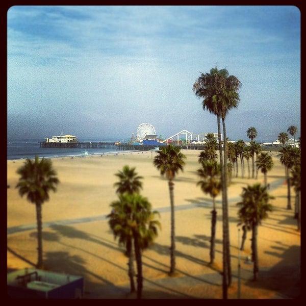 รูปภาพถ่ายที่ Casa Del Mar Hotel โดย Cassel K. เมื่อ 7/11/2012