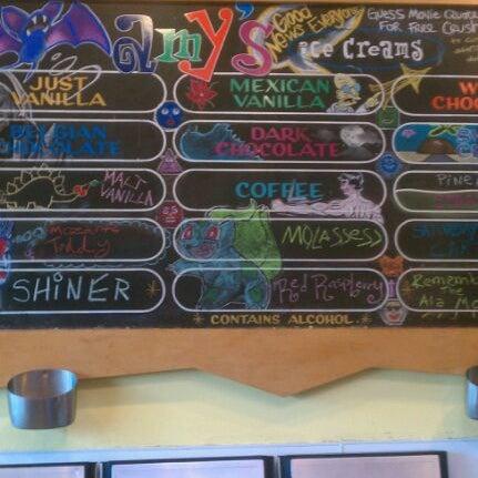 5/27/2012 tarihinde Aimee G.ziyaretçi tarafından Amy's Ice Creams'de çekilen fotoğraf