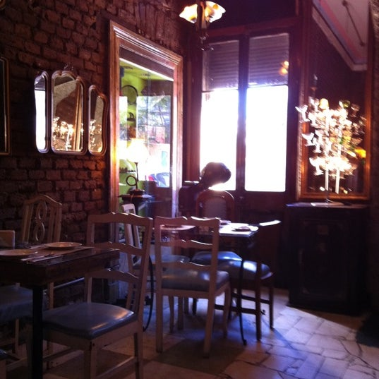 Photo taken at Museo Restaurant Peluqueria Francesa by Jean S. on 4/29/2012