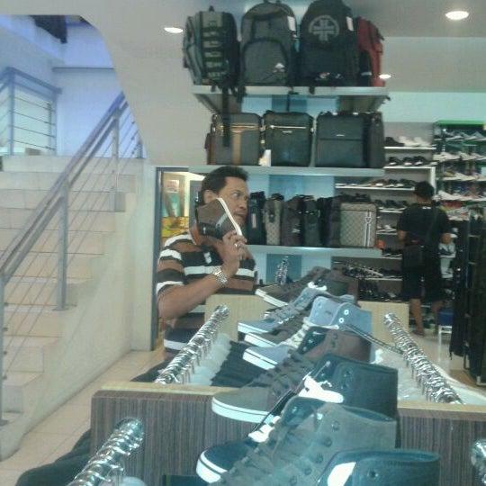 Photo taken at Outlet Biru by Anwarudin P. on 4/29/2012