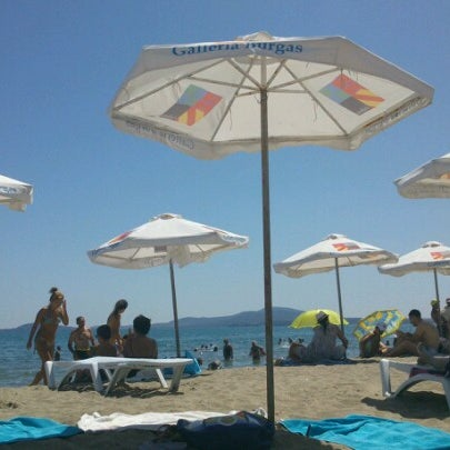 Foto scattata a Централен Плаж Бургас (Burgas Central Beach) da Antonia I. il 8/16/2012