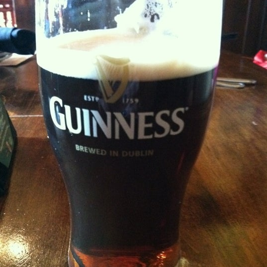 Photo taken at Fado Irish Pub & Restaurant by Lesley N. on 2/6/2012