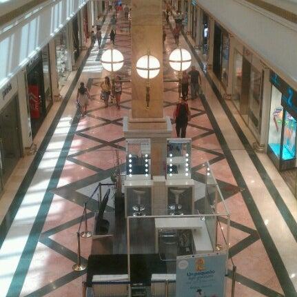 Foto tomada en C.C. Gran Via 2 por Jose R. el 8/18/2012