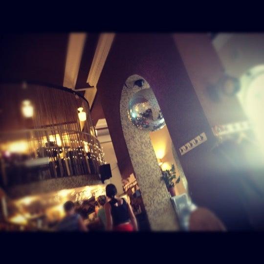 8/25/2012 tarihinde Аня Л.ziyaretçi tarafından Café Bon Apрétit'de çekilen fotoğraf
