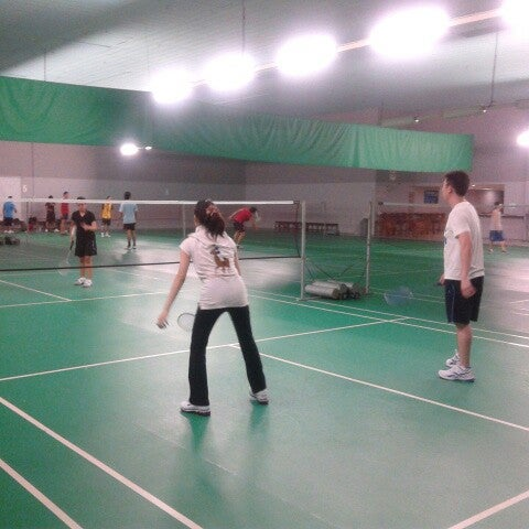 Pudu badminton hall now closed badminton court in cheras for Badminton court ceiling height