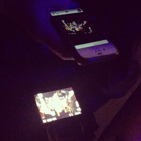 รูปภาพถ่ายที่ Summit Music Hall โดย Monika M. เมื่อ 6/13/2012