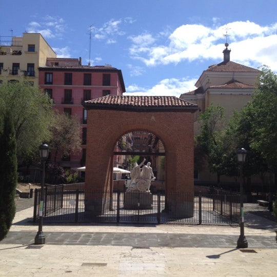 Photo taken at Plaza del Dos de Mayo by Abraham M. on 5/3/2012
