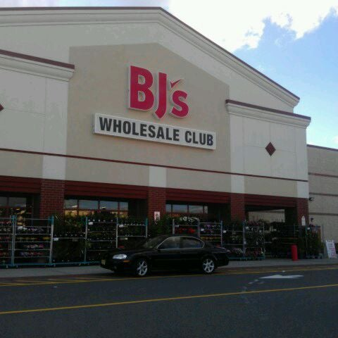 "Dec 04,  · Photo of BJ's Wholesale Club - East Point, GA, United States by June C. See all 20 photos ""it warehouse size, so I have to keep focused, but for things like detergent, cases of water, frozen foods and produce, you can't beat the quality or price."" in 2 reviews/5(20)."