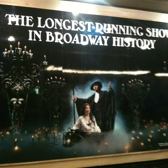 Foto tirada no(a) Majestic Theatre por Mike L. em 3/1/2012