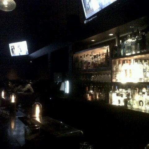 Foto diambil di Bullitt oleh Joyce Y. pada 9/8/2012