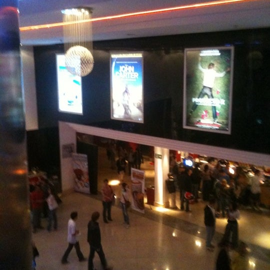 Foto tomada en Cine Hoyts por Vero U. el 4/7/2012