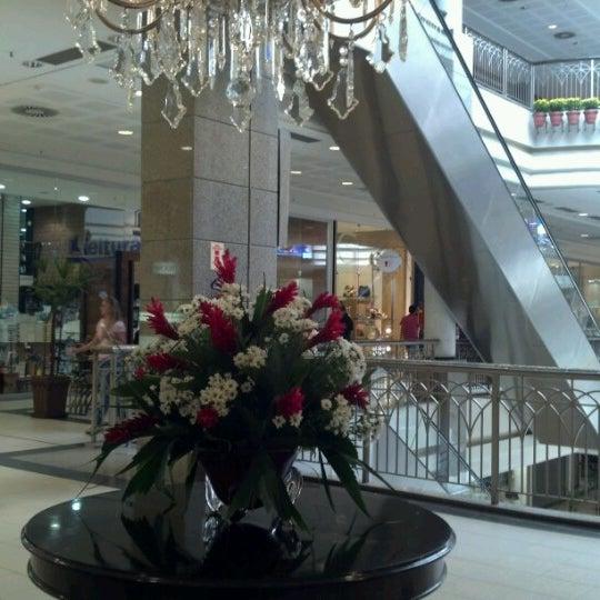 Foto tirada no(a) Shopping Del Paseo por Gregorio C. em 6/28/2012
