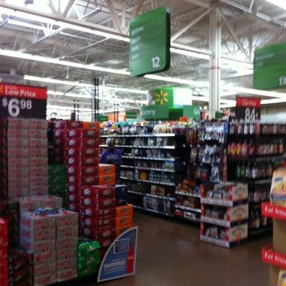 Снимок сделан в Walmart Supercenter пользователем Mike F. 8/5/2012
