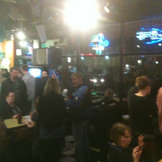 Photo taken at Pizza Schmizza Pub & Grub - Salmon Creek by Michael P. on 3/2/2012
