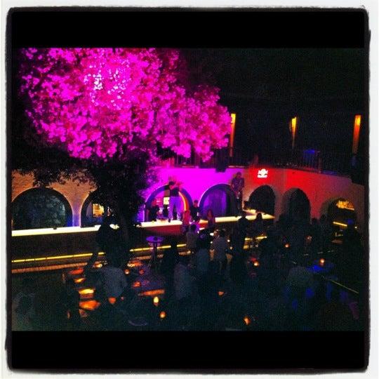 6/23/2012 tarihinde Ayşen Y.ziyaretçi tarafından NewOld Club'de çekilen fotoğraf