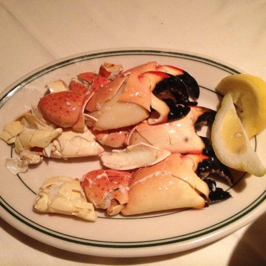Photo prise au Joe's Seafood, Prime Steak & Stone Crab par Shari S. le4/27/2012