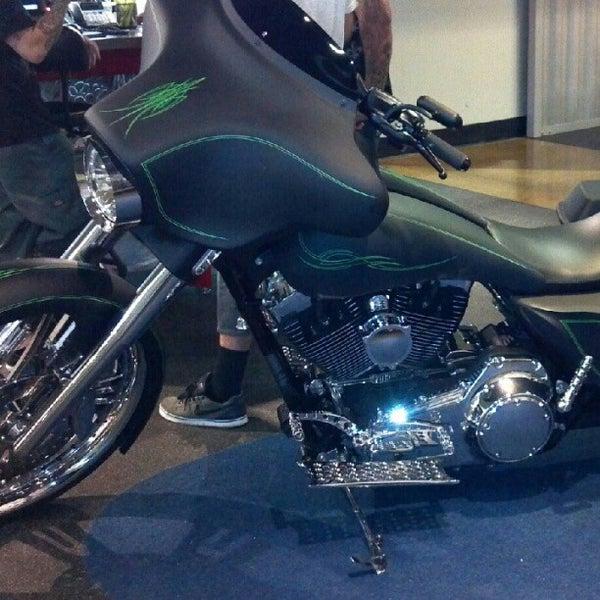 Foto tomada en Riverside Harley-Davidson por Lewis B. el 7/21/2012