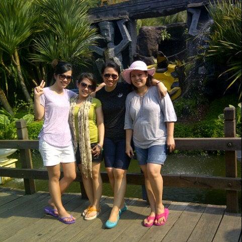 Foto scattata a Wahana Arung Jeram (River Raft Ride) da Jeriska W. il 7/5/2012