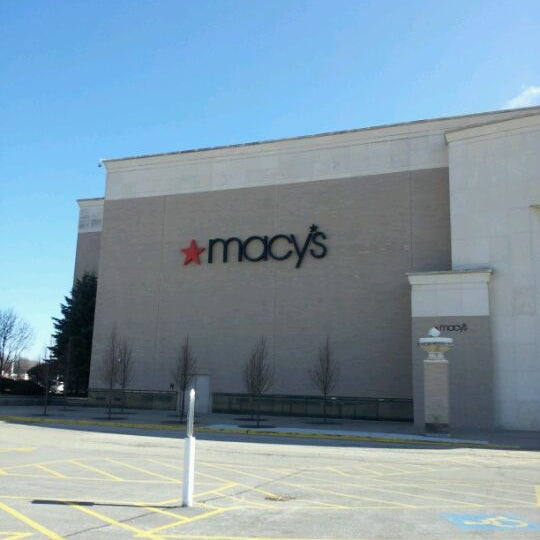 Macys Outlet Chicago: Northbrook Court