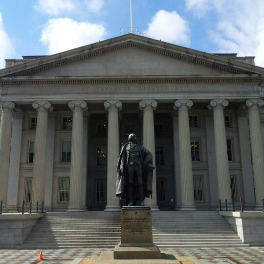 Photo taken at US Department of the Treasury by Kusnadi S. on 7/31/2012
