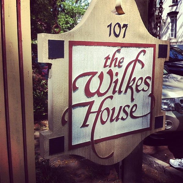 Mrs Wilkes Dining Room Savannah: Historic District-South