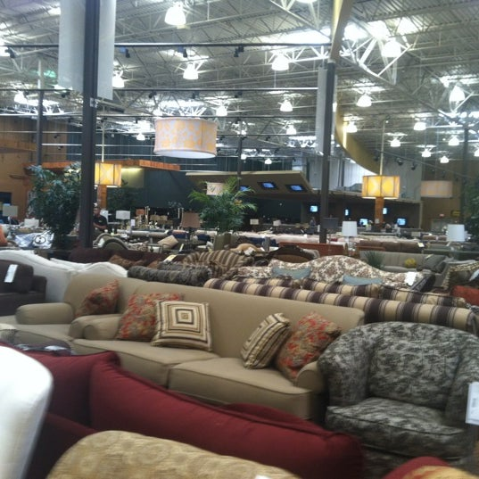 The dump furniture home store in lindbergh morosgo for L furniture warehouse