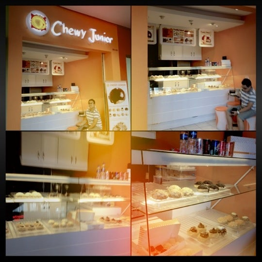 Photo taken at Chewy Junior by Eden A. on 6/4/2012