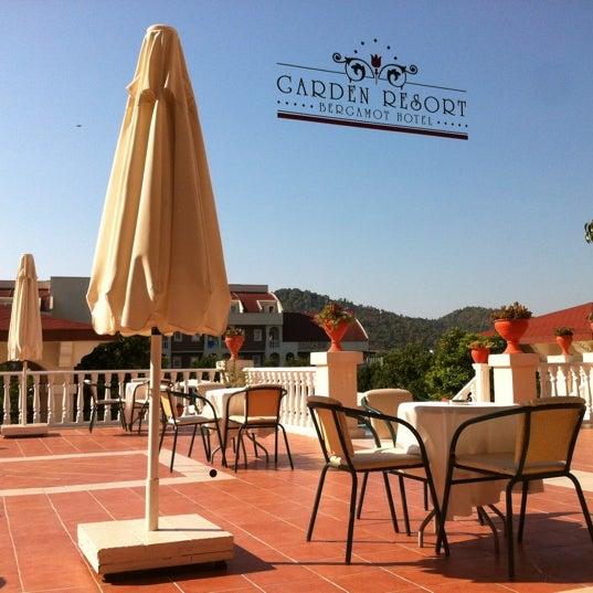 8/17/2012 tarihinde Dmitryziyaretçi tarafından Garden Resort Bergamot'de çekilen fotoğraf