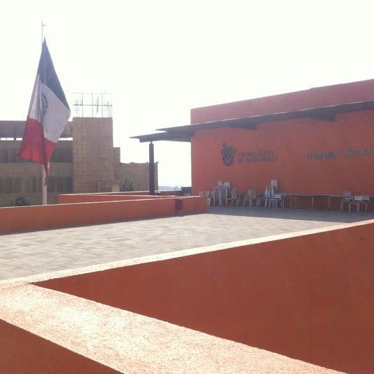 Foto tomada en Tecnológico de Monterrey por Yamder R. el 2/22/2012