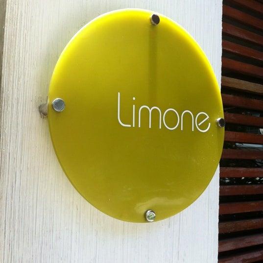 Foto tirada no(a) Limone Restaurante e Café por Patrick R. em 3/8/2012