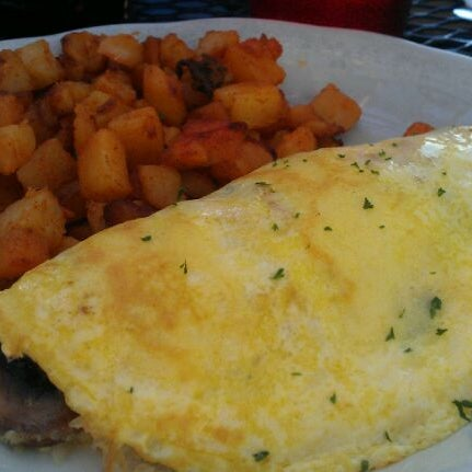 Photo taken at Eggs In the City by Dale W. on 7/2/2012