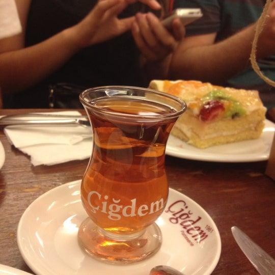 Photo prise au Çiğdem Pastanesi par Ciğdem Y. le8/8/2012